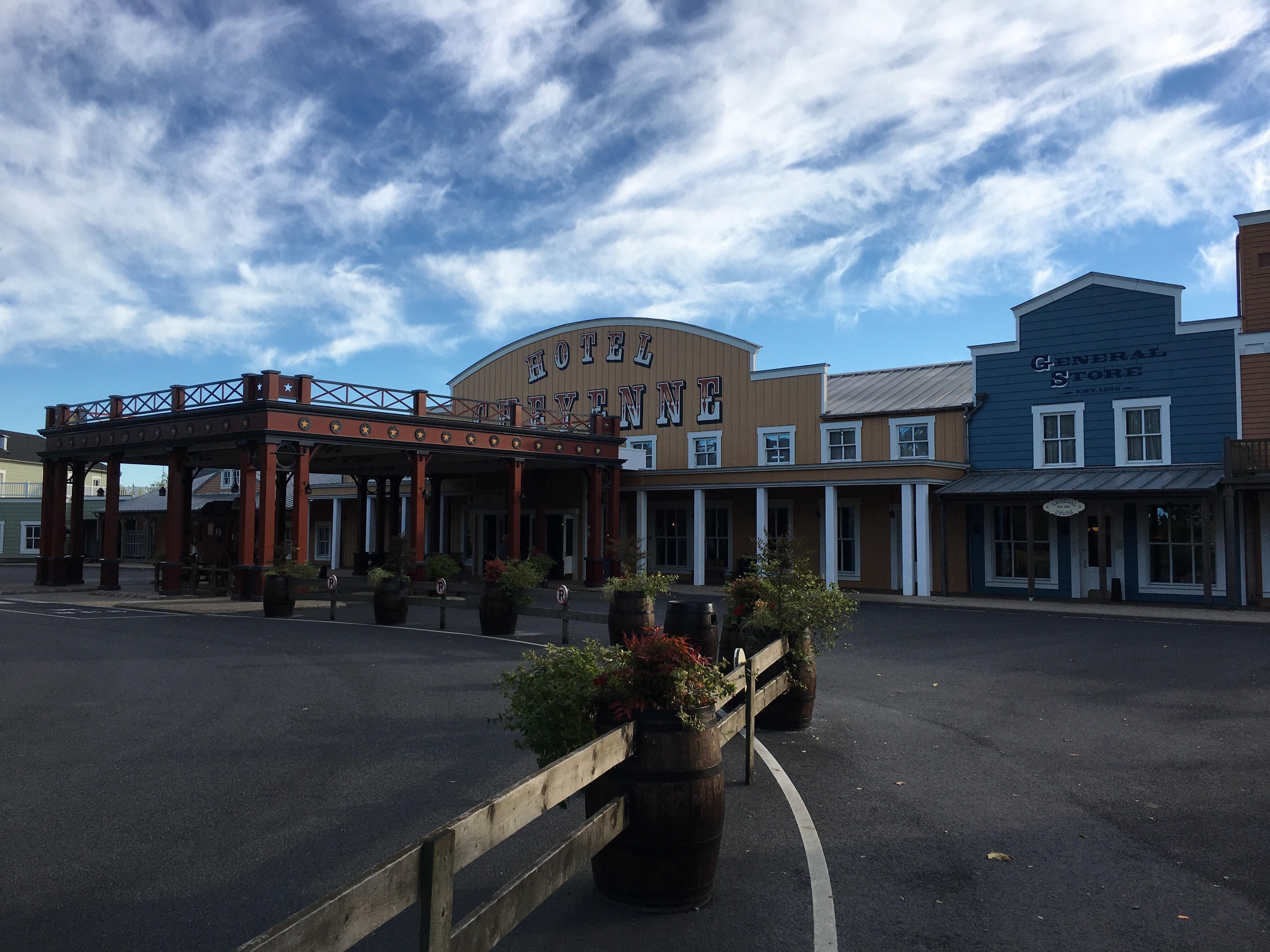 Hotel Cheyenne Entrance Hotel