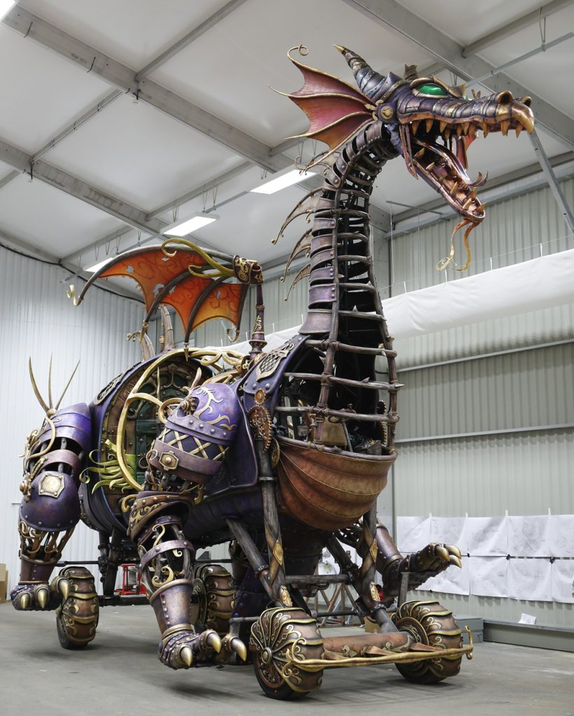 Disney Stars Parade Dragon DLP25