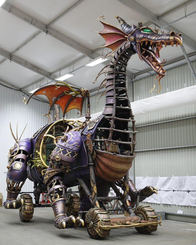 Disney Stars Parade Dragon DLP25