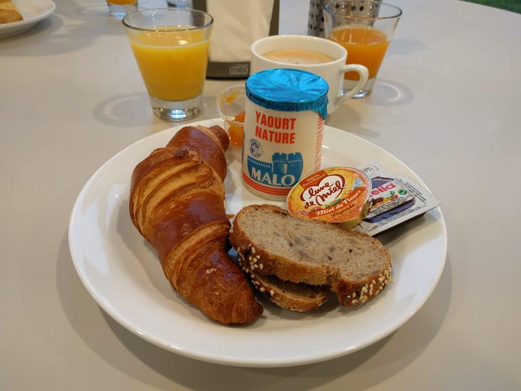 DLP Hotel B&B Breakfast