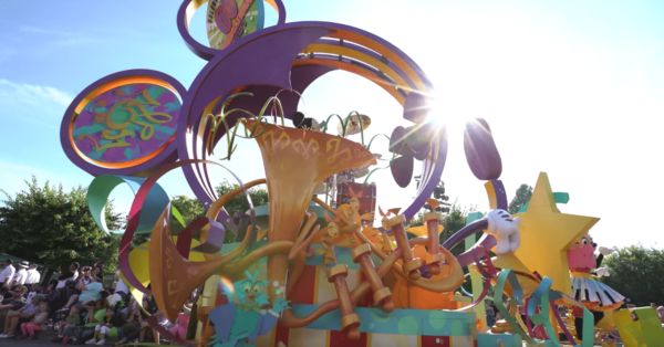 Mickey's Soundsational Parade 2016 Disneyland