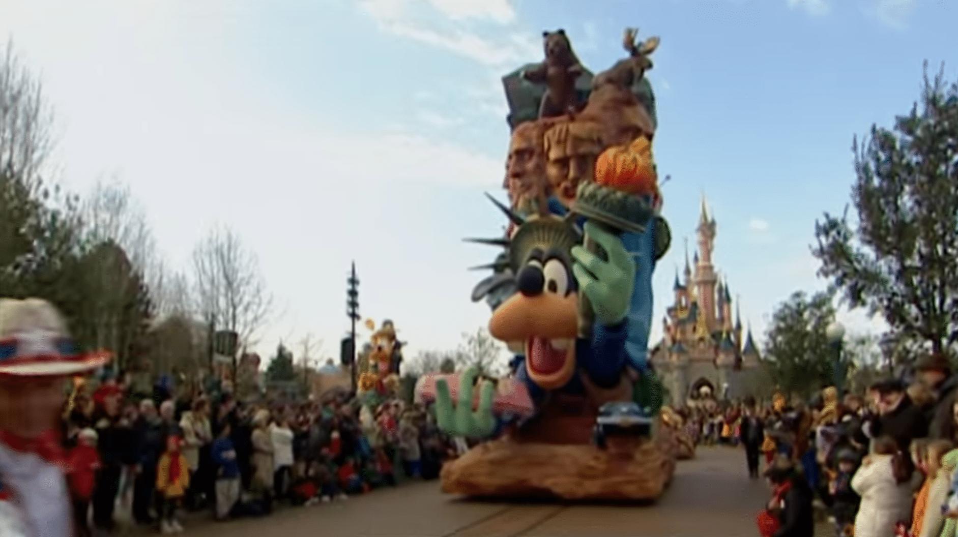 25 Years of Parades at Disneyland Paris - Travel to the Magic