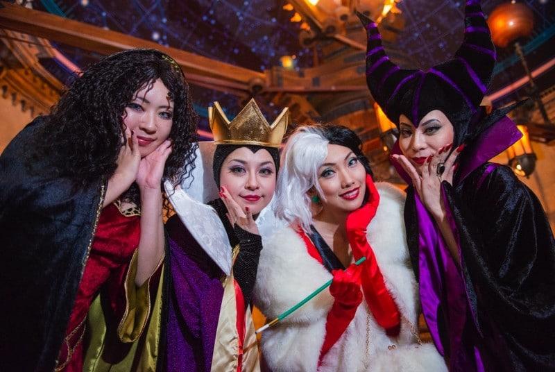 Tokyo Disney Halloween Dressing Up