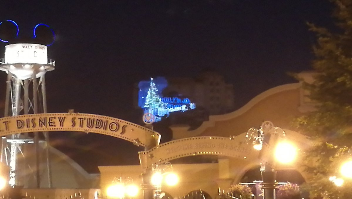 Projection Mapping Tower of Terror - Christmas