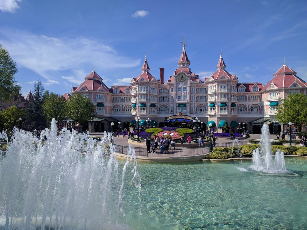 Disneyland Paris - Disneyland Hotel