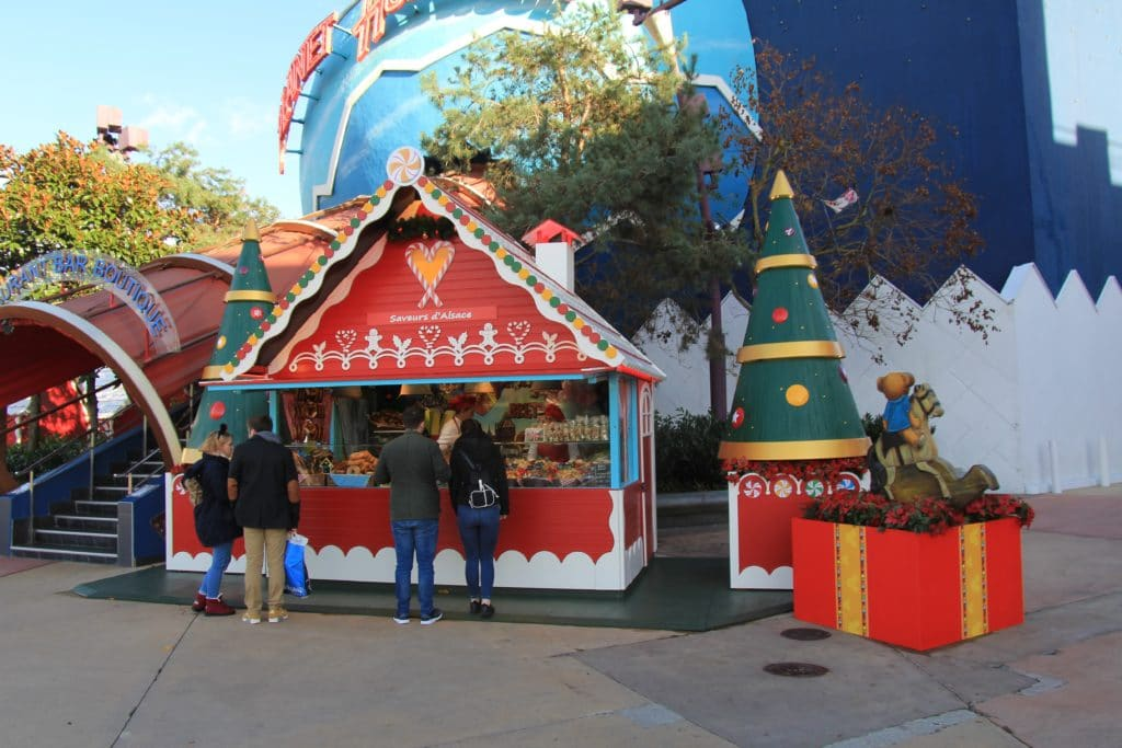 Christmas Disneyland Paris - Disney Village