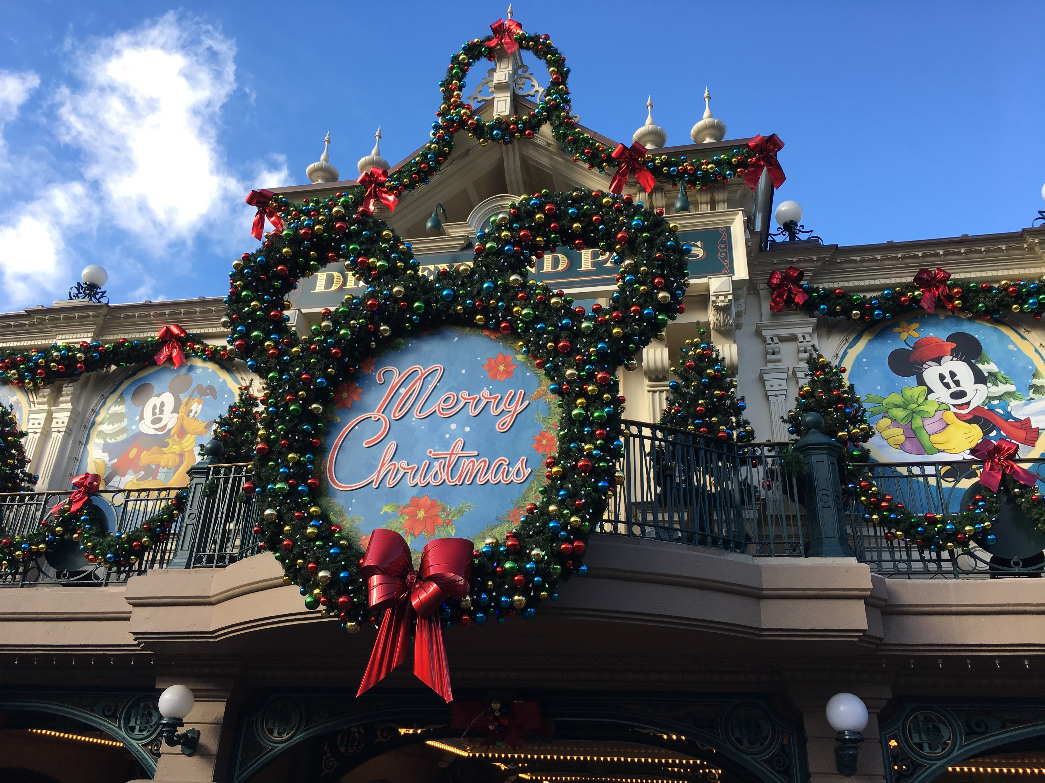 Christmas Disneyland Paris - Main Street Station