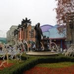 Christmas Disneyland Paris - Walt Disney Studios - Partner Statue
