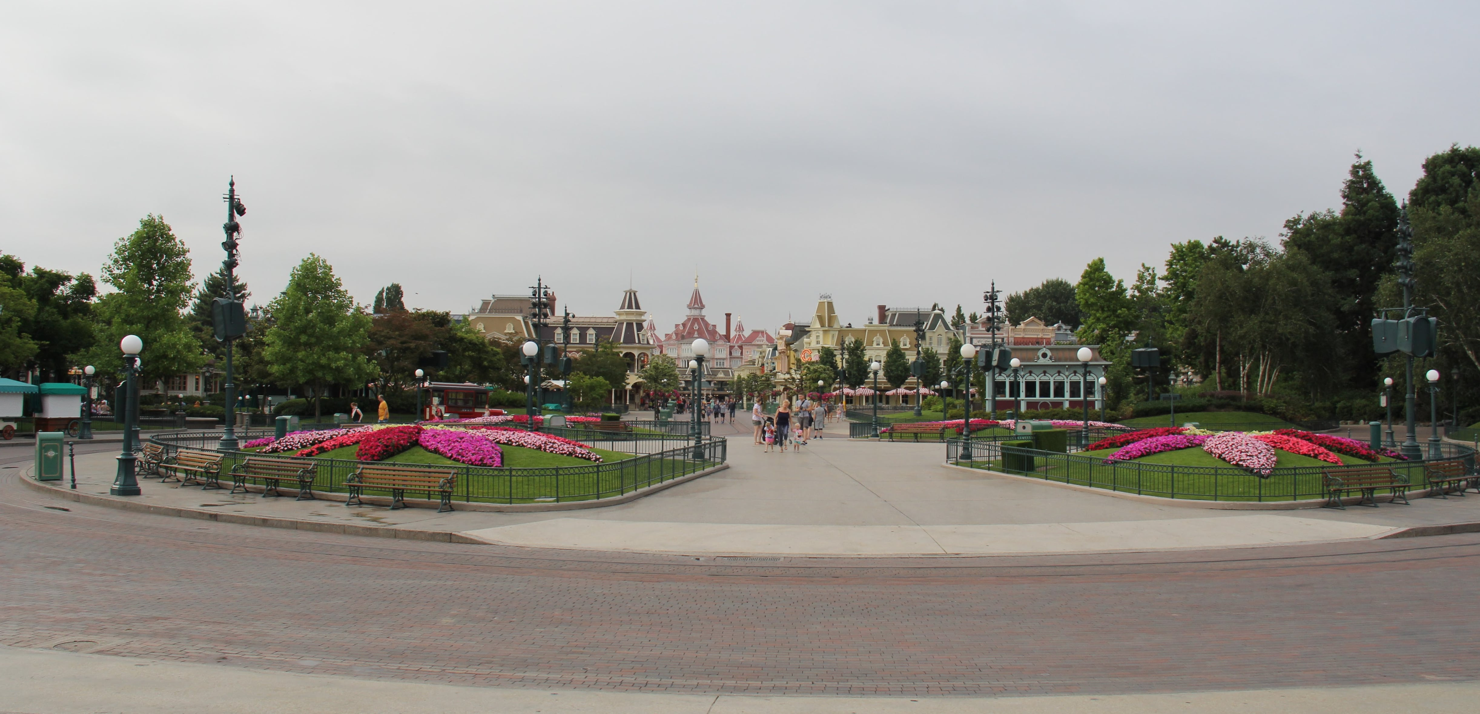 Disneyland Paris Extra Magic Hours