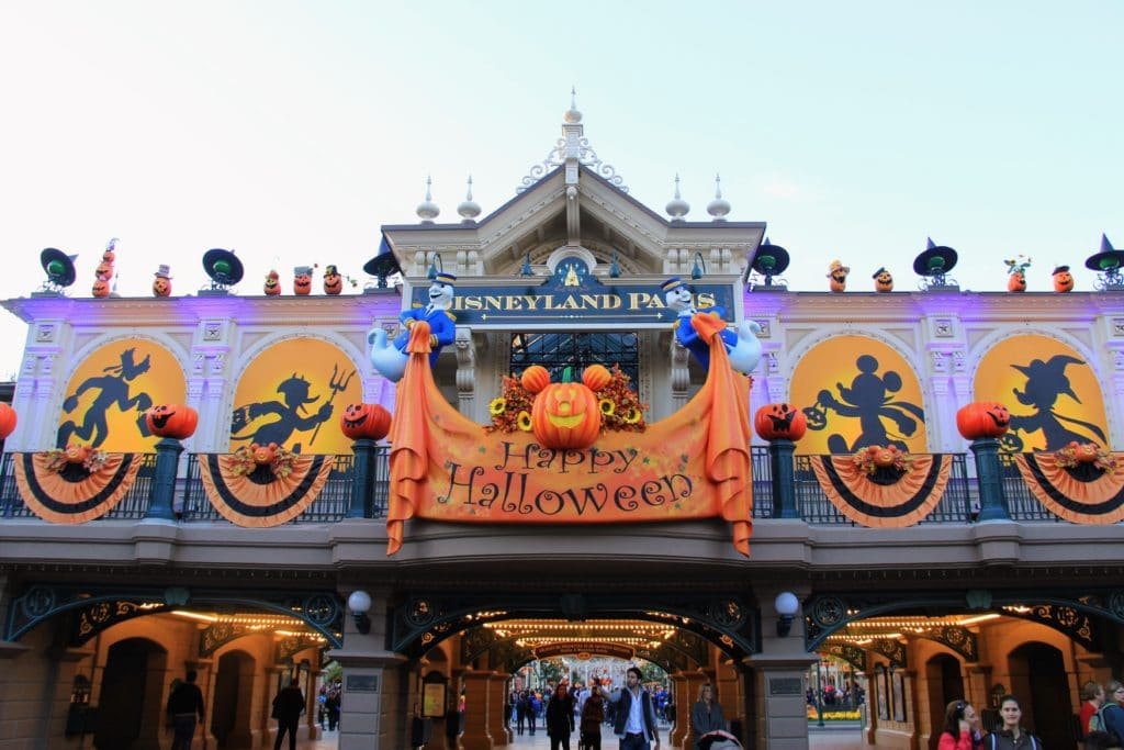 Disneyland Paris Halloween Main Street Station