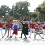 Disneyland Paris - Tuesday is a Guest Star Day - Meet the Robinsons - Lewis and Goob