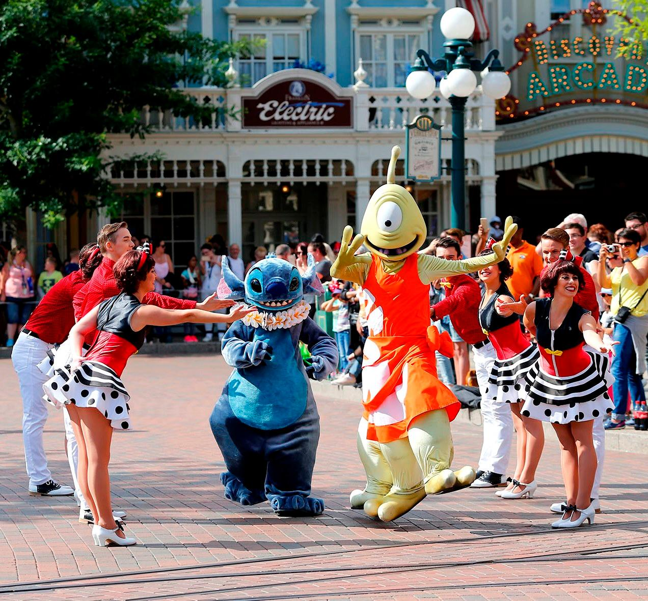 Characters Tuesday Is A Guest Star Day Disneyland Paris