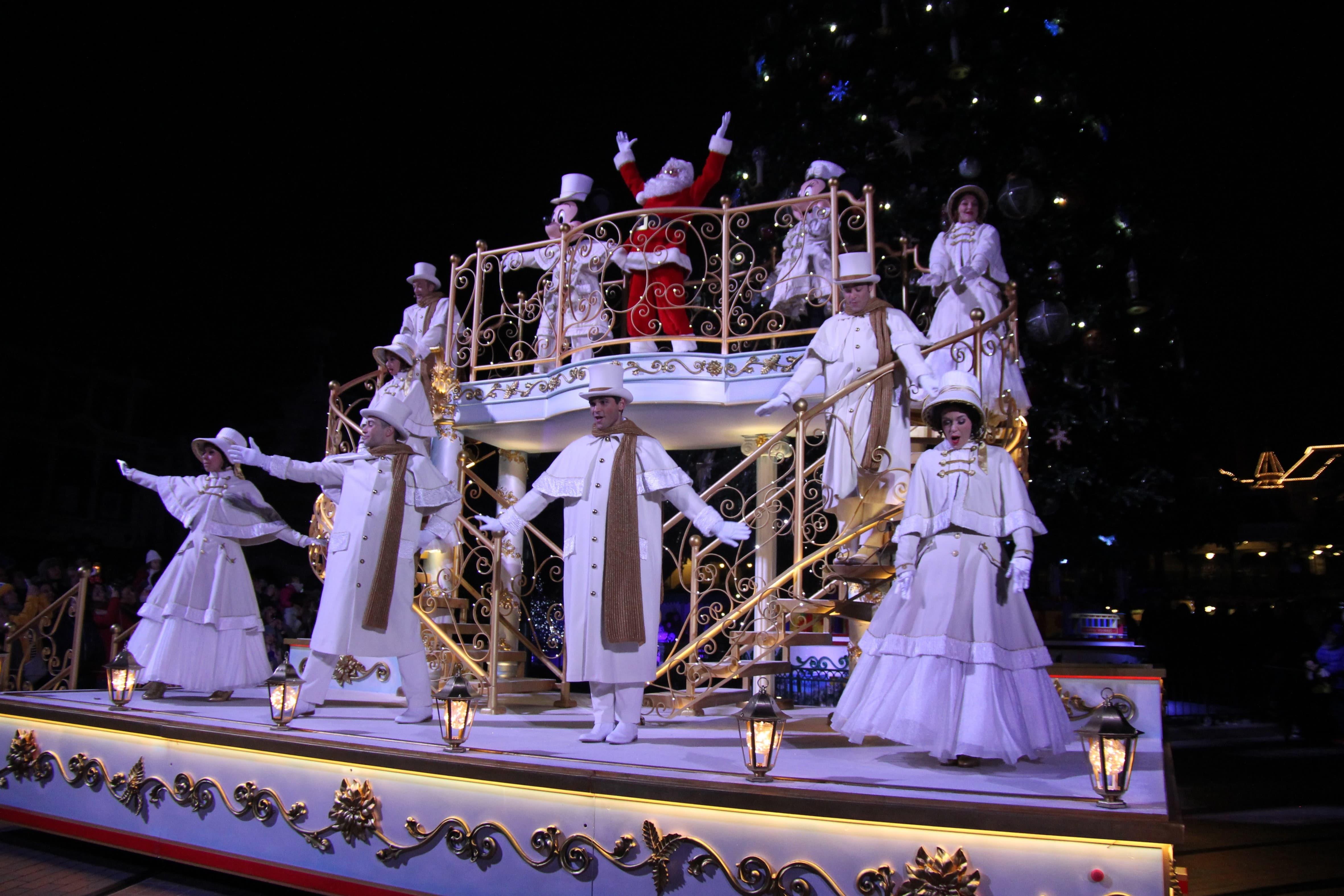 Disneyland Paris - Christmas 2017 - Mickey's Christmas Lights