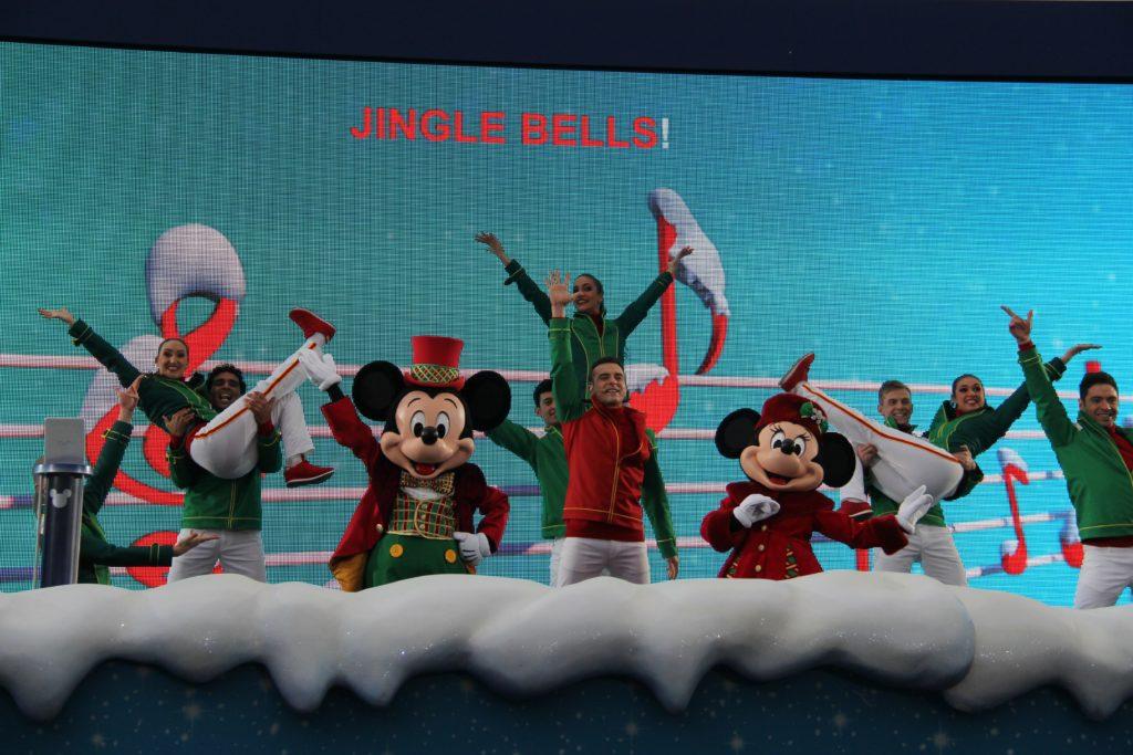 Disneyland Paris - Christmas 2017 - Sing me a Merry Christmas