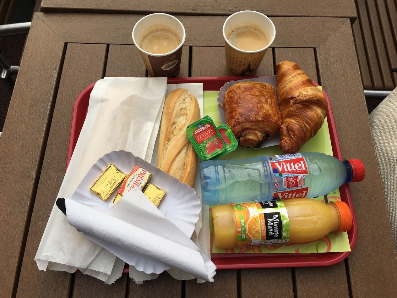 Disneyland Paris - New York Style Sandwiches - Express Breakfast Food