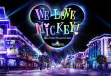 "Hong Kong Disneyland - ""We Love Mickey!"" Main Street Projection Show"