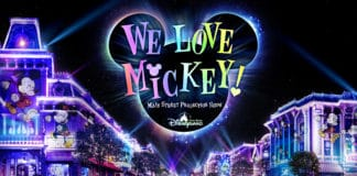 "Hong Kong Disneyland - ""We Love Mickey!"" Main Street Projection Show"