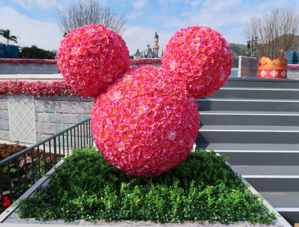 Hong Kong Disneyland - Chinese New Year 2019 - The Year of the Pig - Mickey Kitto - Decorations 2