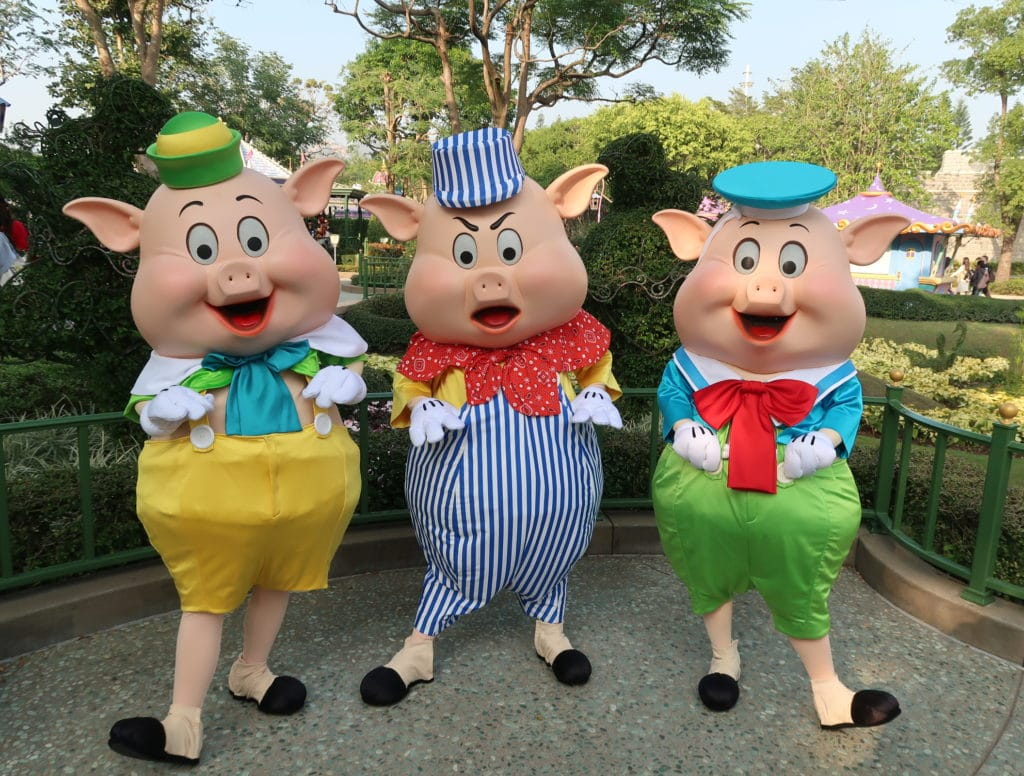 Hong Kong Disneyland - Chinese New Year 2019 - The Year of the Pig - Mickey Kitto - Three Little Pigs