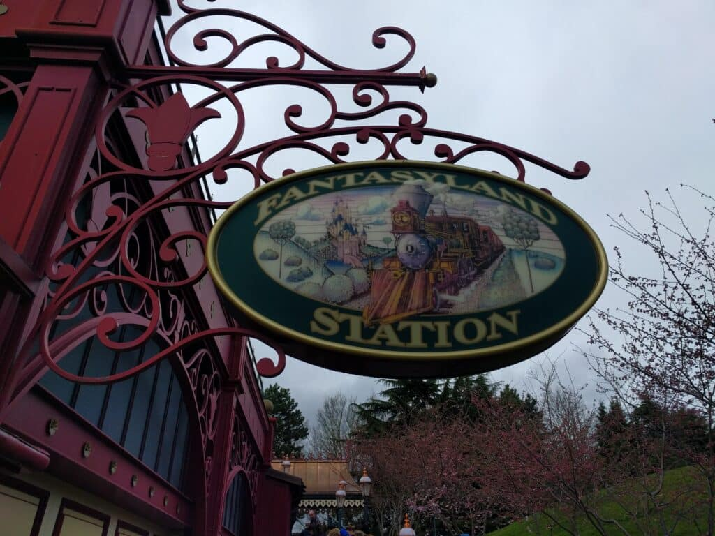 Disneyland Paris - Fanatasyland Station