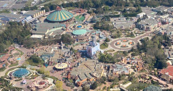Disneyland Paris - Sleeping Beauty Castle boxed in